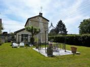vente maison CHASSENEUIL SUR BONNIEURE  189 000  €