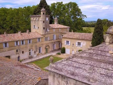 vente chateau Aigues mortes proche