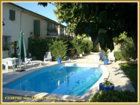 location gite Cabannes (provence)