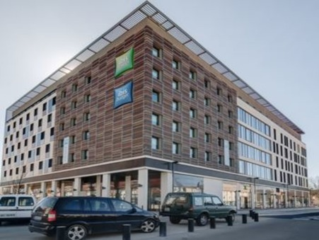 location local NIMES 11 133€