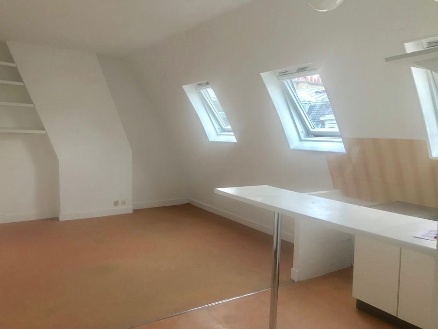 Location Appartement PARIS 8EME ARRONDISSEMENT  730 €