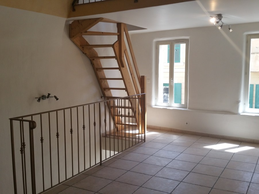 Location Appartement JOUQUES  600 €