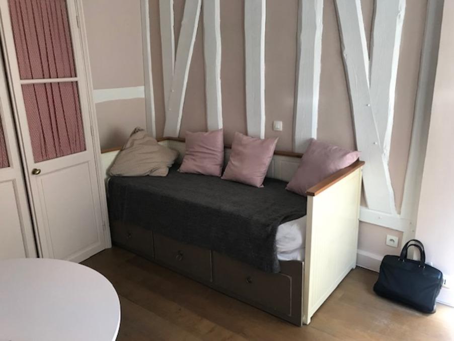 Location Appartement PARIS 7EME ARRONDISSEMENT  790 €