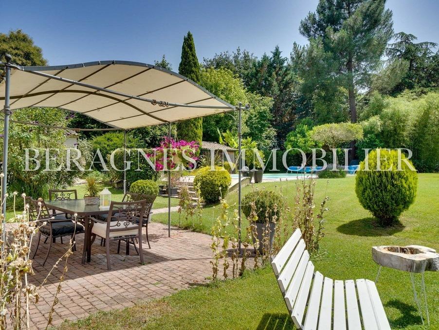 Vente Maison  avec parking  Bergerac  360 000 €