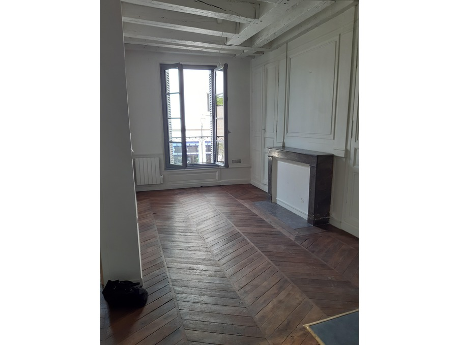 Location Appartement TOURS  580 €