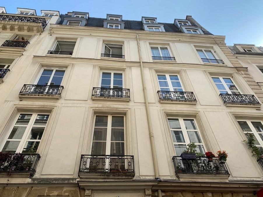 Location Appartement Paris 4e arrondissement 2 415 €