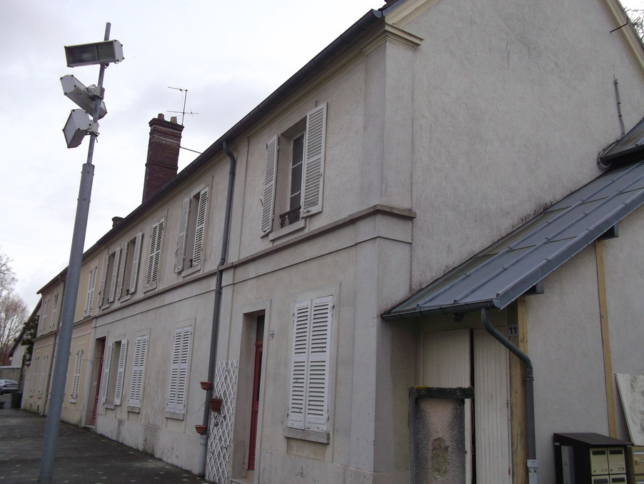 Location Appartement Guyancourt  872 €