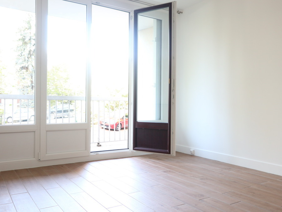 Location Appartement TAVERNY  580 €