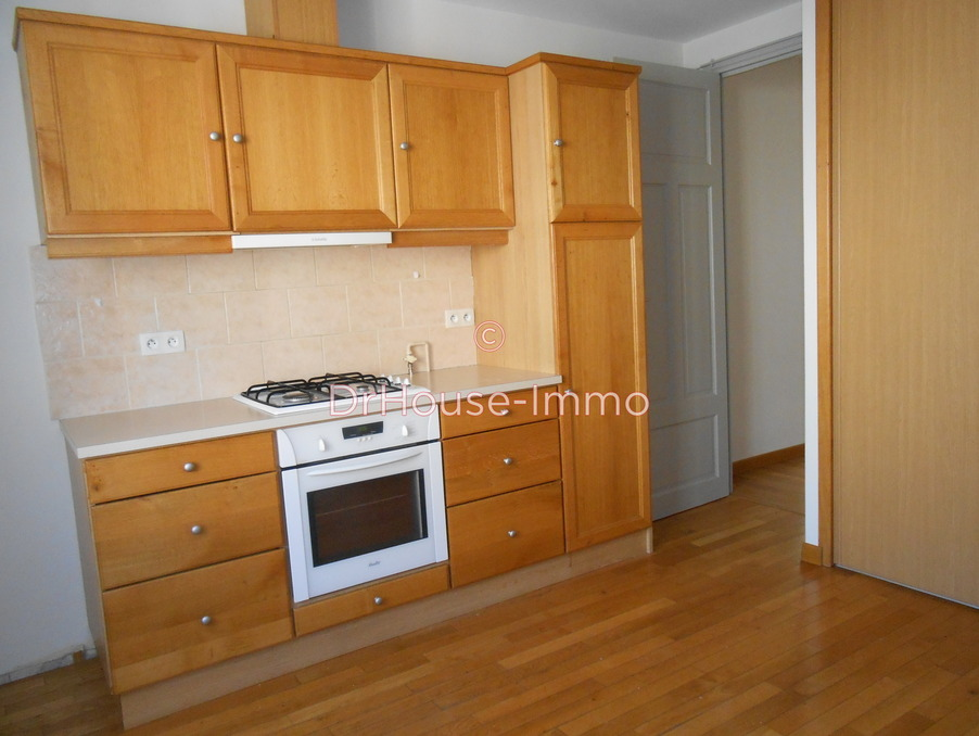 Location Appartement Valence  740 €