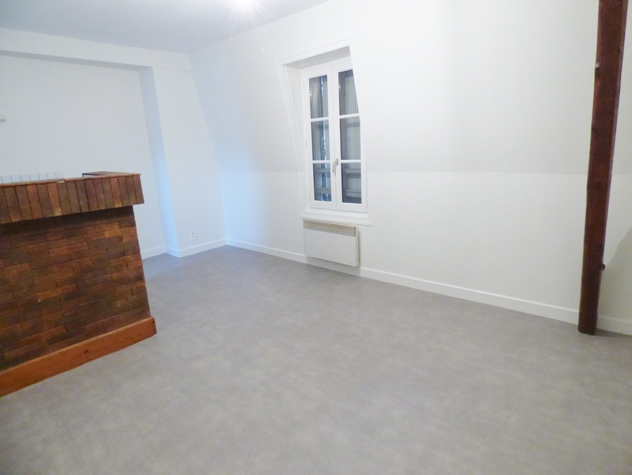 Location Appartement BRIVE LA GAILLARDE  270 €