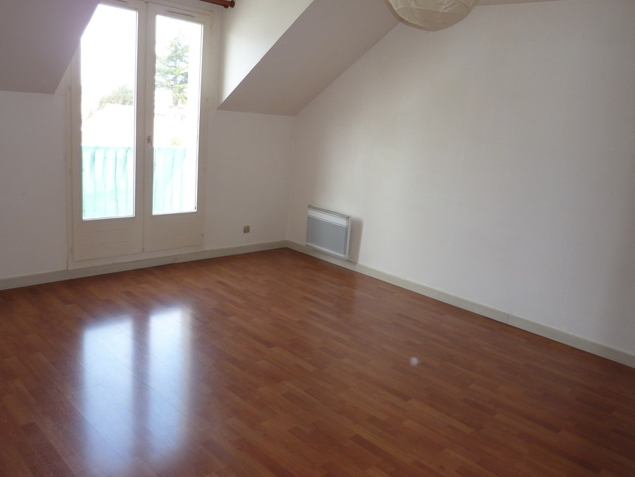 Location Appartement TAVERNY  790 €