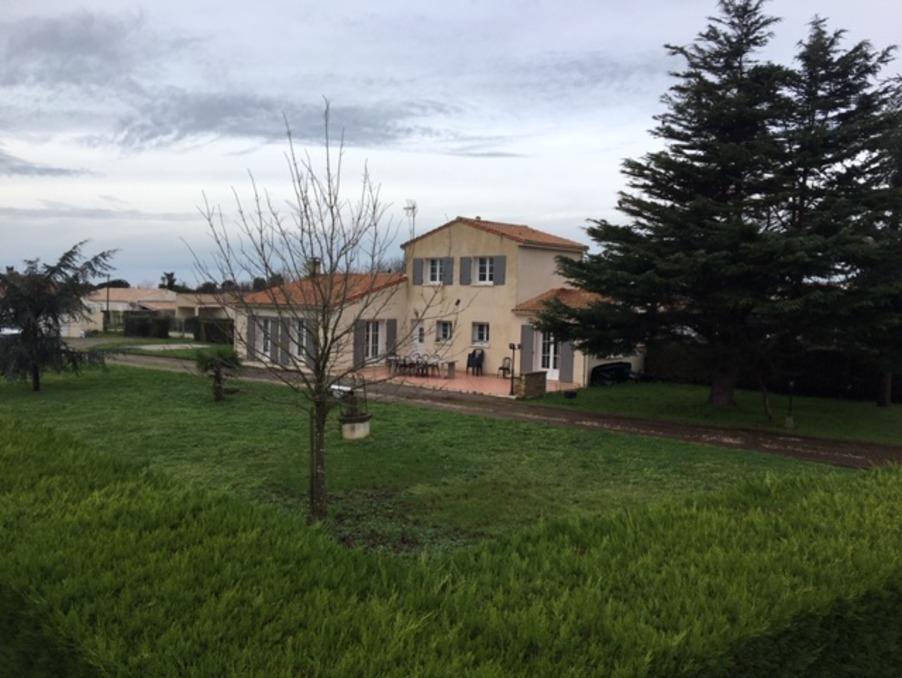 Vente Maison  avec jardin  L'EGUILLE  336 000 €