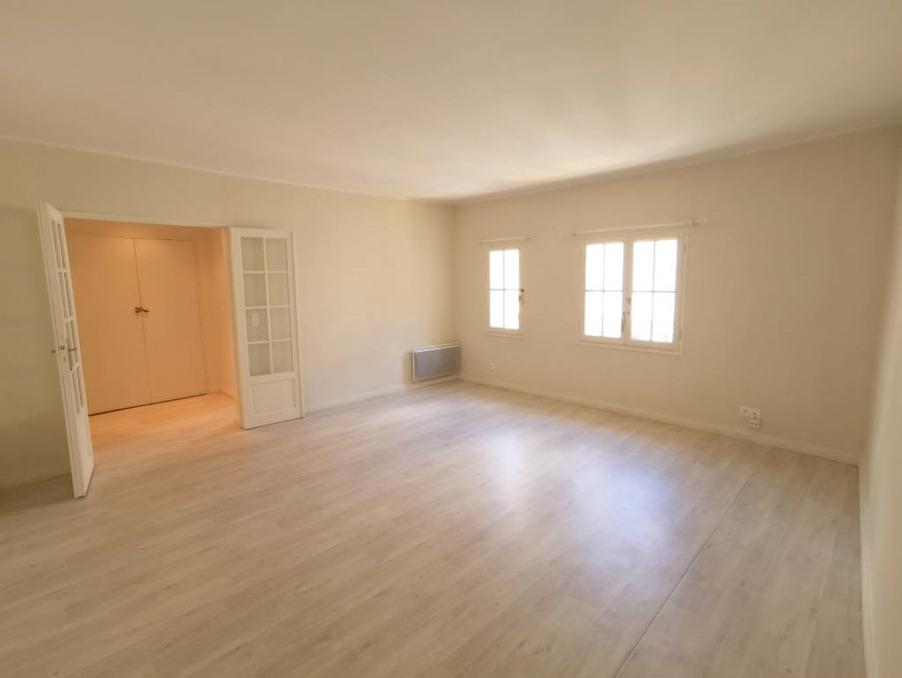 Location Appartement Avignon  695 €