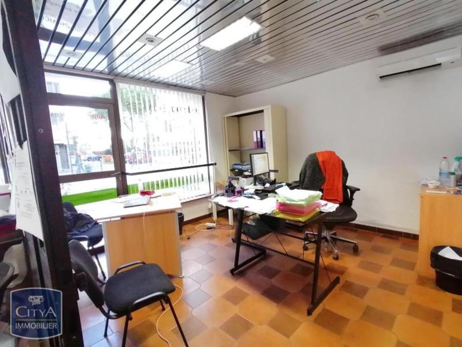 Vente Local Avignon 94 000 €