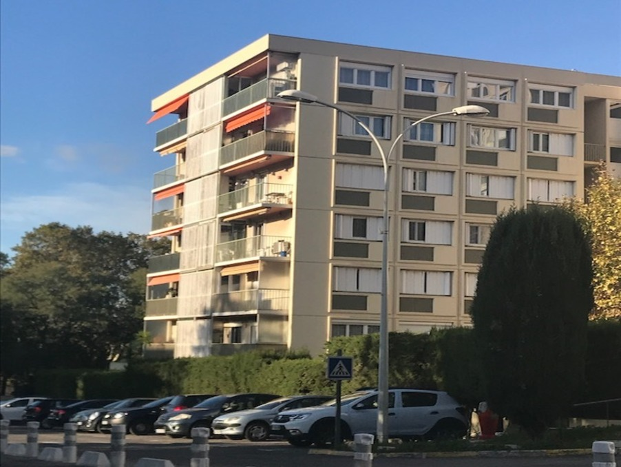 Location Appartement MARSEILLE 10EME ARRONDISSEMENT  750 €
