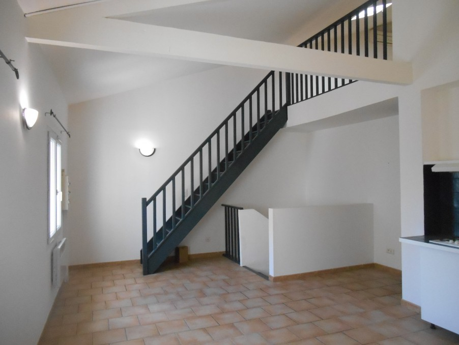 Location Appartement CHATEAUNEUF DE GADAGNE 2