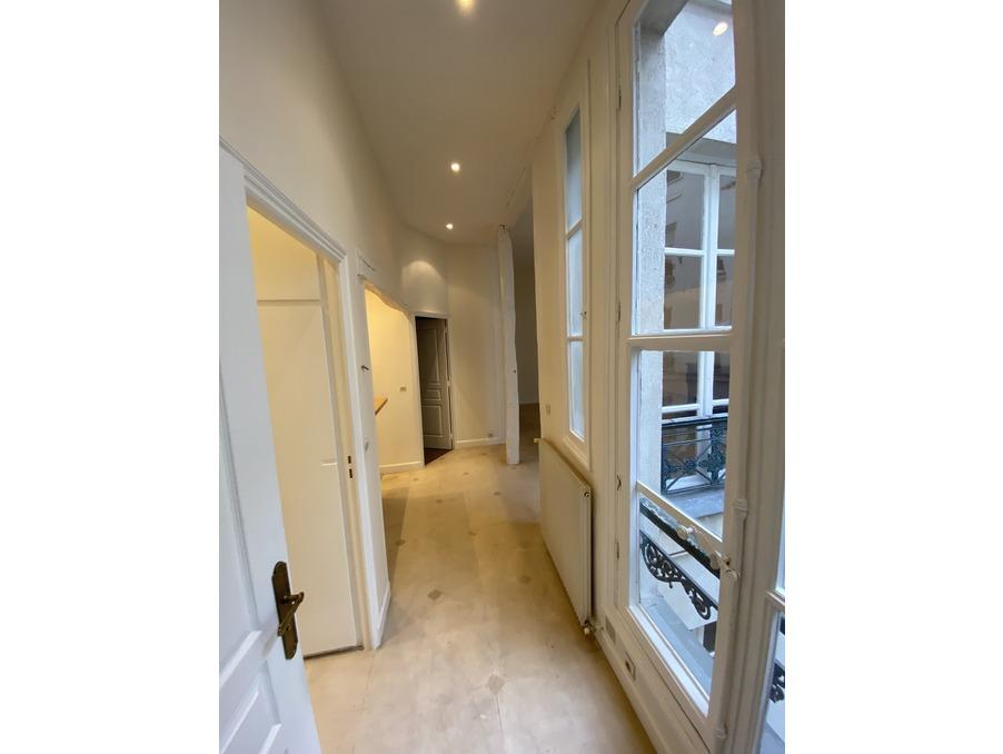Location Appartement PARIS 7EME ARRONDISSEMENT 2 200 €