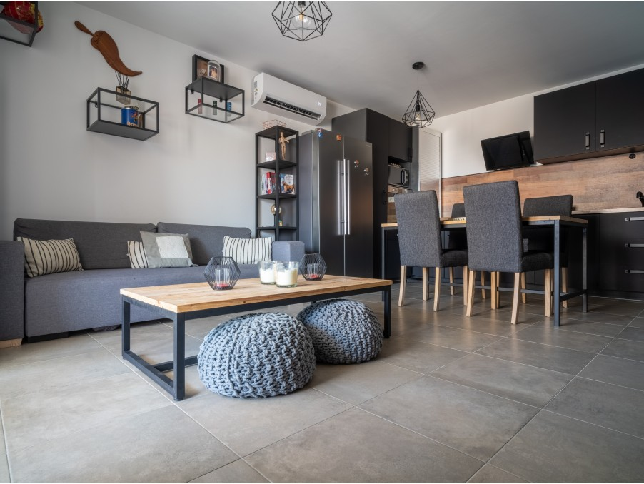 Vente Appartement  2 chambres  MARSEILLE 4EME ARRONDISSEMENT  249 000 €
