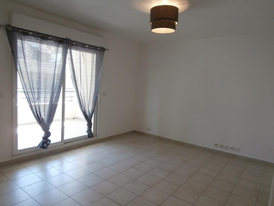 Location Appartement GRETZ ARMAINVILLIERS  910 €
