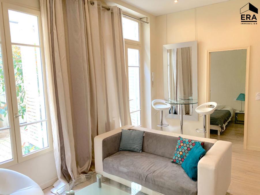 Location Appartement Paris 7e arrondissement 1 240 €