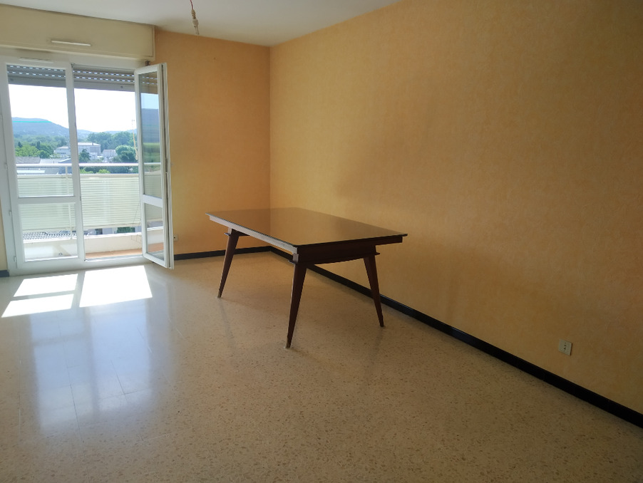 Location Appartement Bagnols sur ceze  500 €