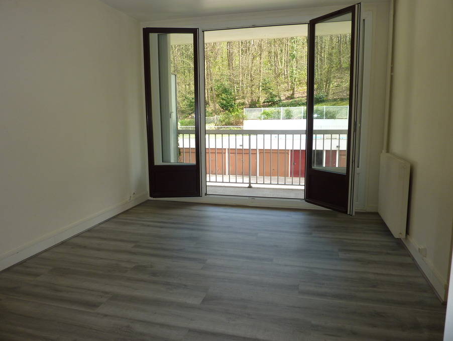 Location Appartement TAVERNY  630 €
