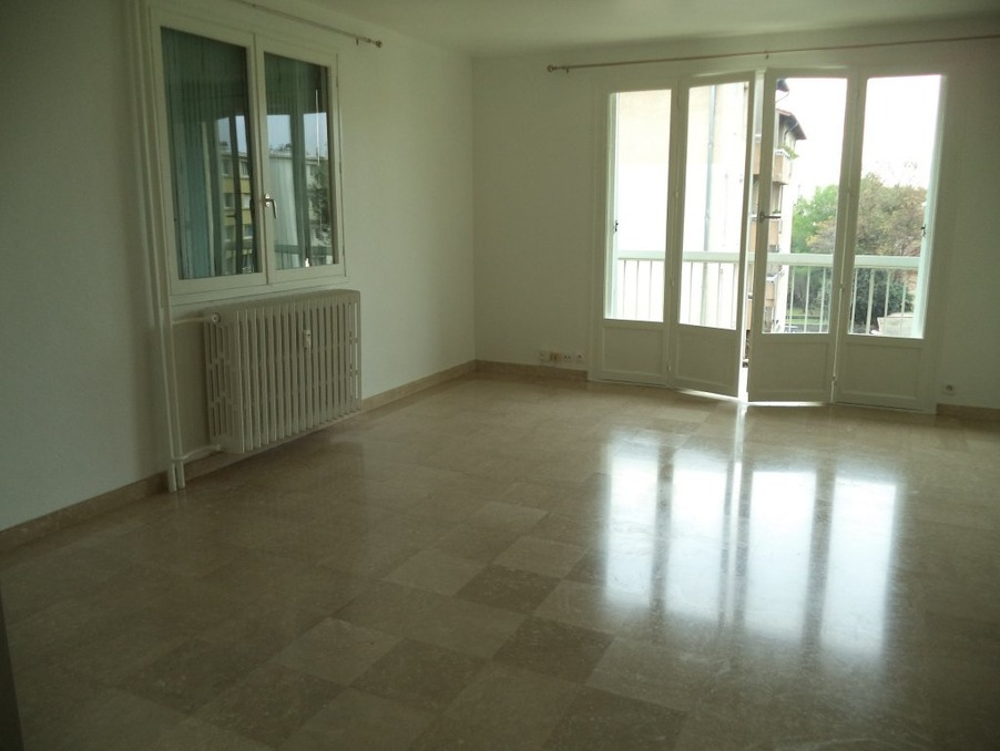 Location Appartement VALENCE  586 €