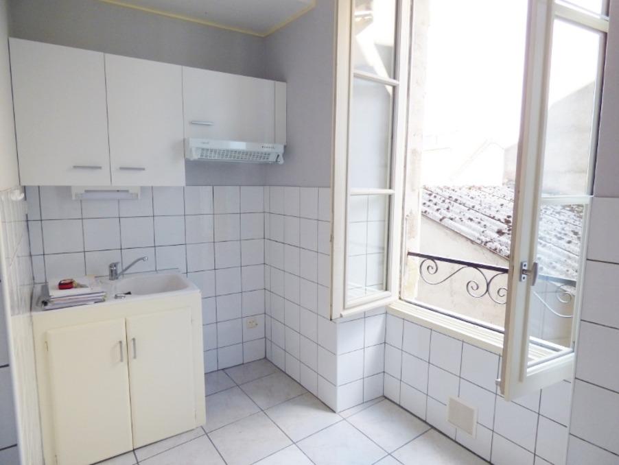 Location Appartement BRIVE LA GAILLARDE  300 €