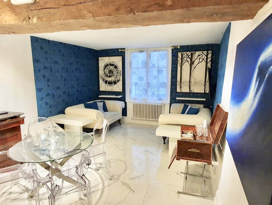 Location Appartement PARIS 3EME ARRONDISSEMENT 2 100 €