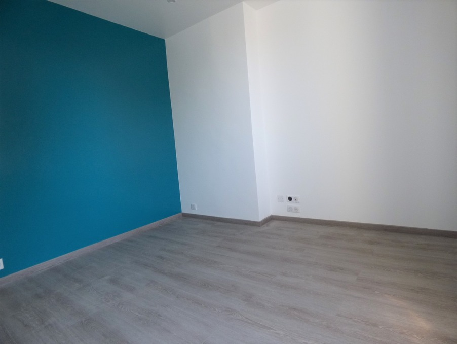 Location Appartement BRIVE LA GAILLARDE  345 €