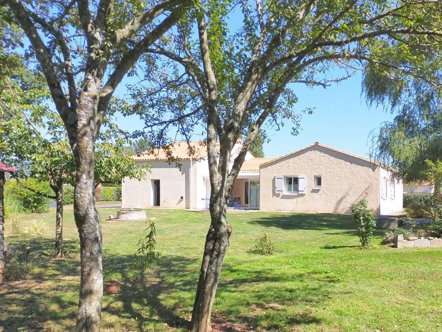 Vente Maison  avec jardin  Saint-Maurice-le-Girard  180 600 €