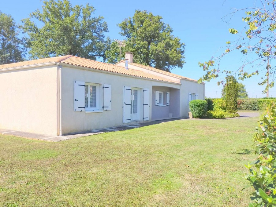 Vente Maison Saint-Maurice-le-Girard 2