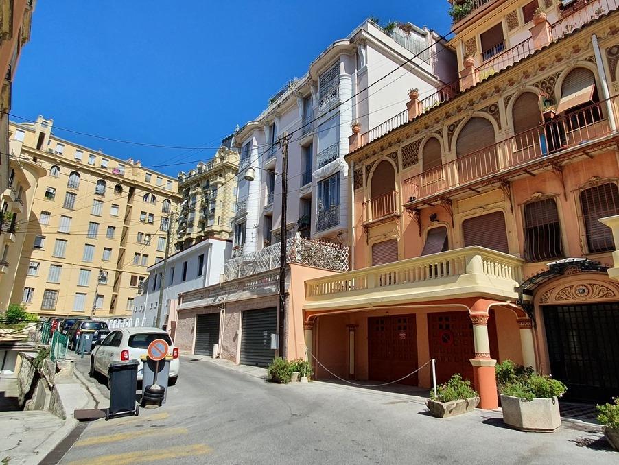 Location Appartement  avec terrasse  NICE  565 €