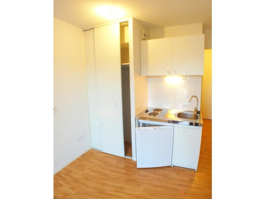 Location Appartement VILLEURBANNE  415 €