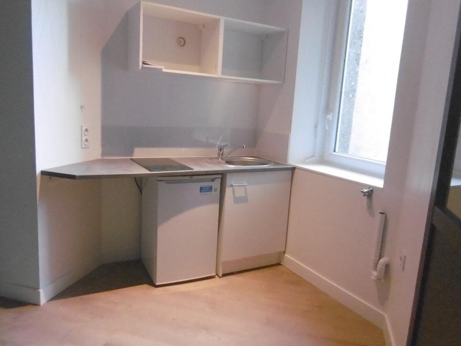 Location Appartement BREST  460 €