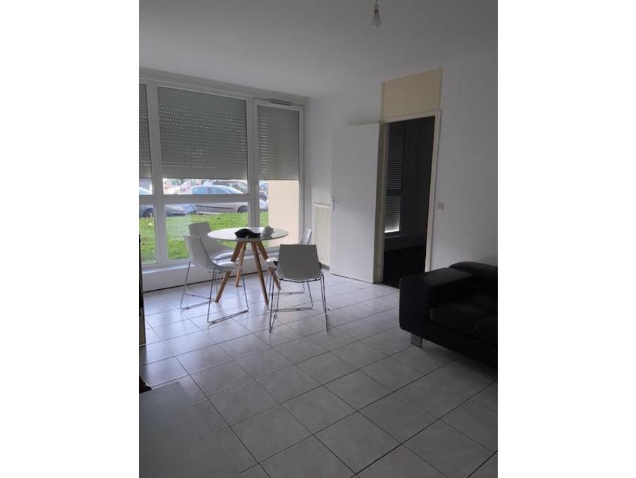 Location Appartement VILLEURBANNE  690 €