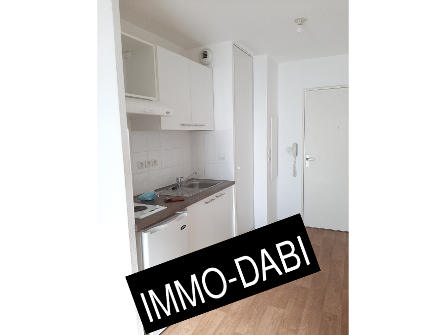 Location Appartement TOULOUSE  375 €