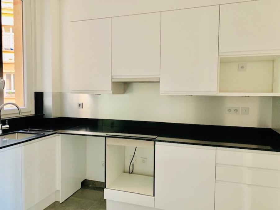 Location Appartement PARIS 7EME ARRONDISSEMENT 8
