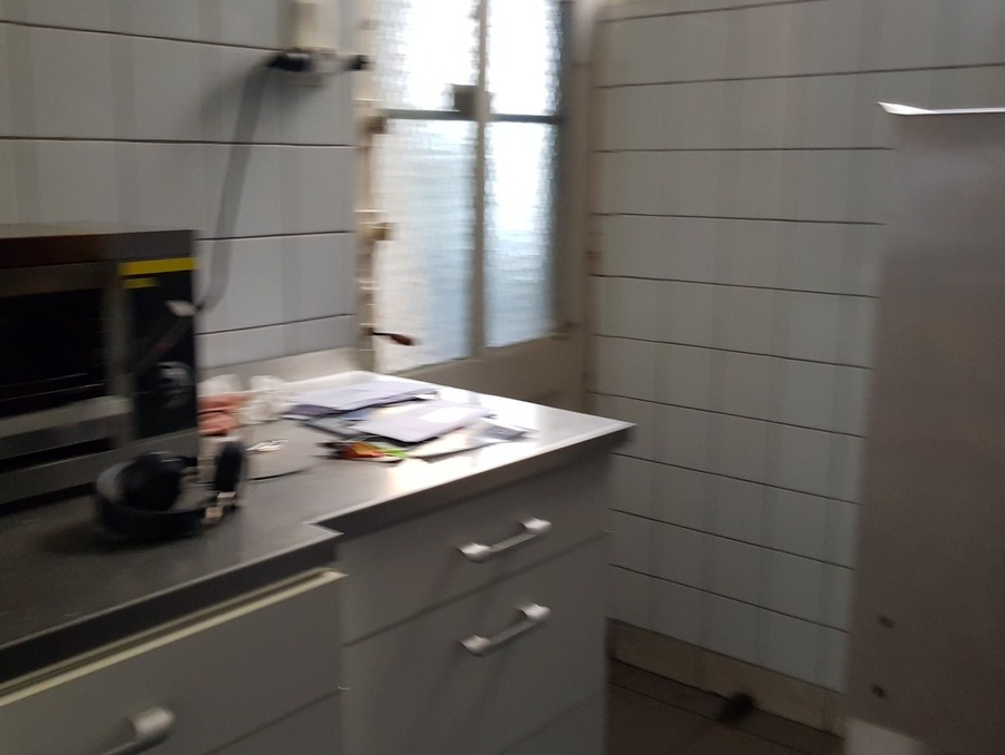 Location Local ROANNE  650 €