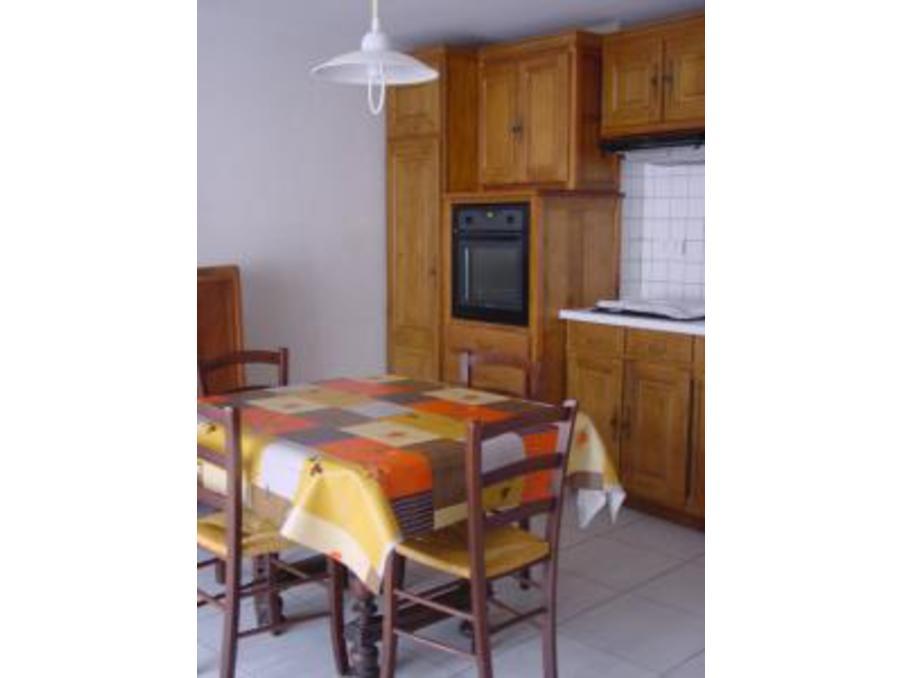 A louer maison de vacances laval du tarn 3 chambres 300 for Chambre a louer a barcelone pas cher