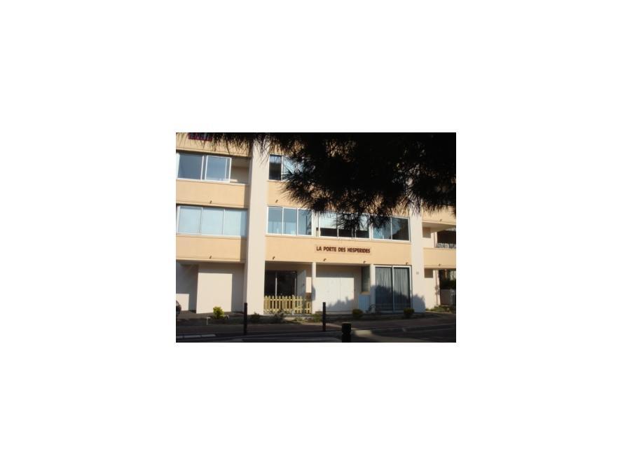 Location Appartement Balaruc les bains  230 €