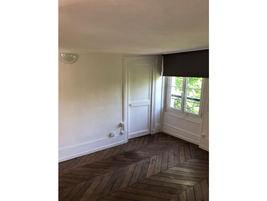 Location Appartement PARIS 3EME ARRONDISSEMENT  966 €