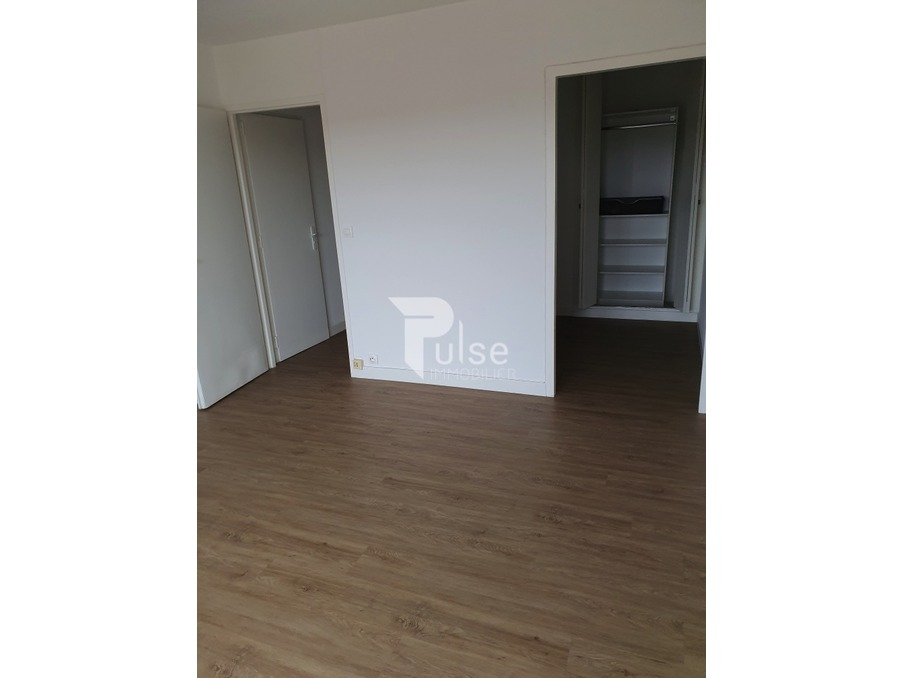 Location Appartement NIMES 2