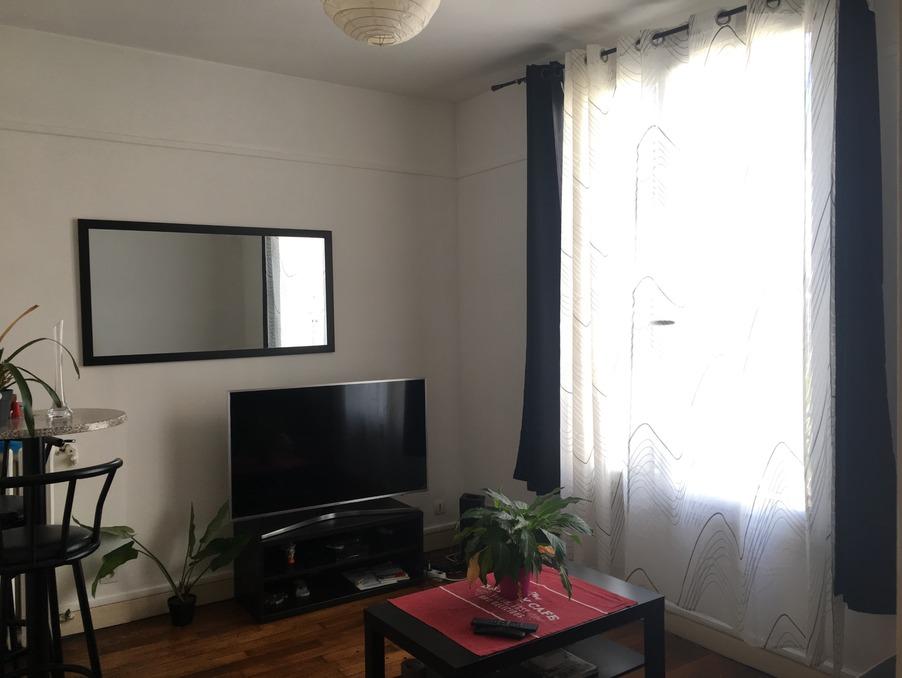 Location Appartement Courbevoie  867 €