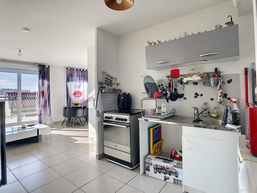 Vente Appartement  avec parking  Marseille 4e arrondissement  209 000 €