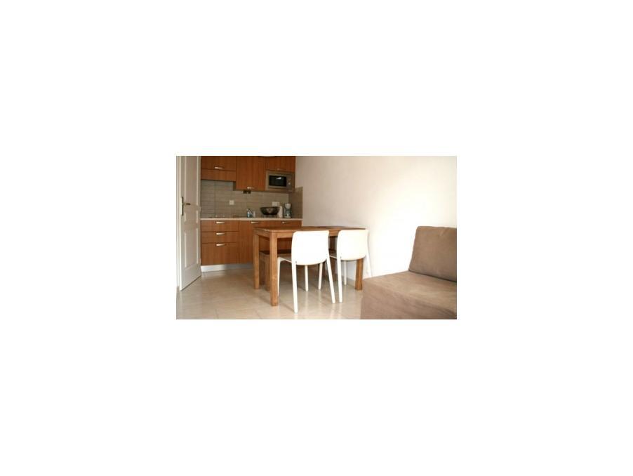 Loue appartement de vacances annecy 1 chambre 375 pas cher for Chambre de commerce annecy