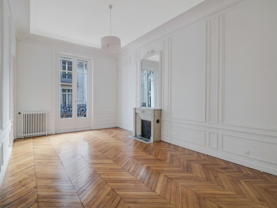 Location Appartement PARIS 17EME ARRONDISSEMENT 4 990 €