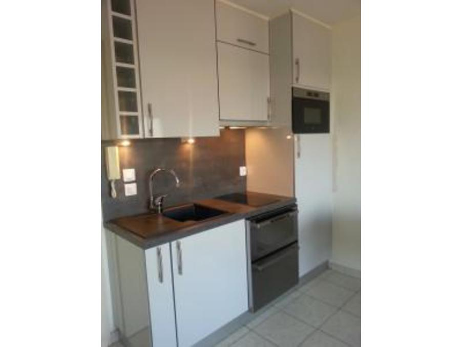 Location saisonniere Appartement   Antibes  430 €