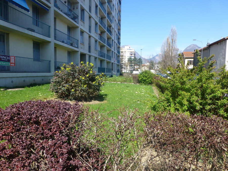 Location Appartement Grenoble  680 €