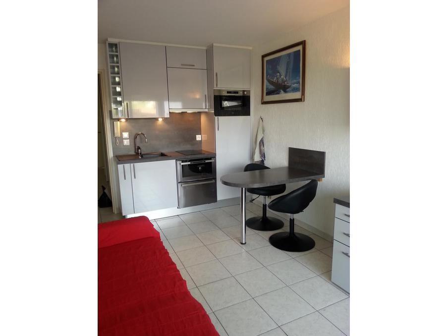 Location appartement de vacances antibes 1 chambre 350 for Location studio meuble antibes